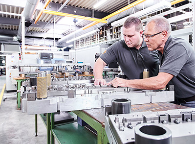 Development problems in the injection mold industry